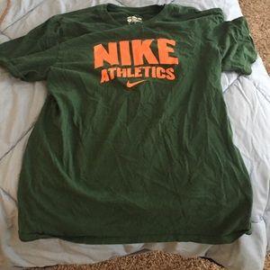 Nike short sleeve shirt Size M